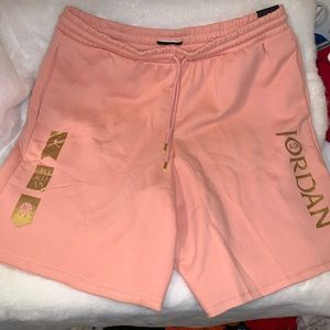 NWT Jordan Fleece Shorts Coral Stardust/Metallic